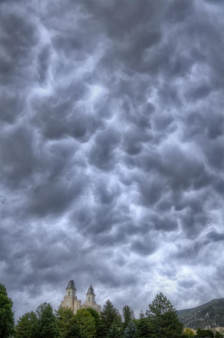 Manti Temple-Mammatus Clouds-vert-HDR1